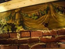 Eeuwenoud behang ontdekt bij Wijnhaven