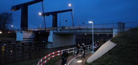 Bruggen over Oude IJssel tijdens ochtendspits langer dicht