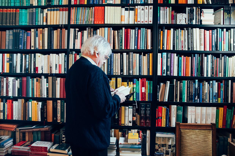 Pascal Mercier, pseudoniem van Peter Bieri, (Bern, 23 juni 1944) gefotografeerd in zijn huis in Berlijn.