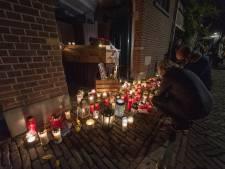 Een straat vol kaarsjes voor 'De Bolle': Zutphense kroegbaas Jan Jansen krijgt sfeervol en waardig eerbetoon