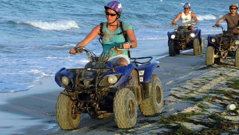Toeristen in Tunesië. Beeld epa
