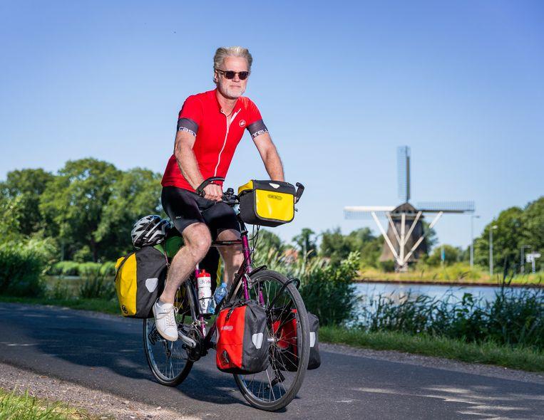 Journalist Jeroen van Bergeijk begon zijn fietstocht deze week in Amsterdam. Na vier dagen bereikte hij Maastricht – een treinrit van 2,5 uur. Beeld Jiri Büller