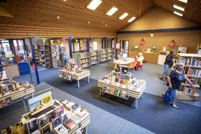 De zomerbibliotheek en het toeristisch informatiepunt zijn tijdelijk gehuisvest in de voormalige basisschool De Esch.
