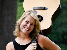 VIDEO: Hilvarenbeek: Marthe zingt nu zelf op Elastiek