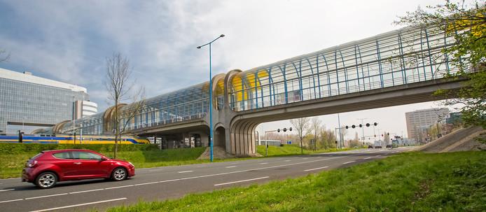 Mogelijk wordt er minder geld gestoken in onderhoud van de Mandelabrug.