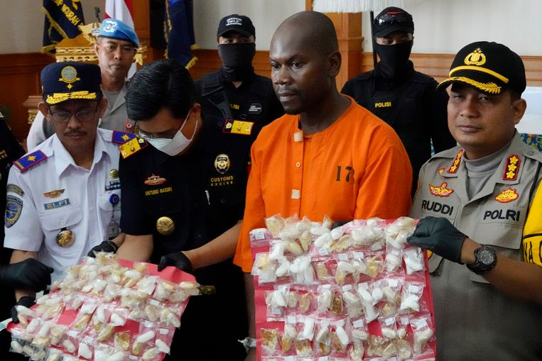 Abdul Rahman Asman had 99 bolletjes met methamfetamine  in zijn maag.