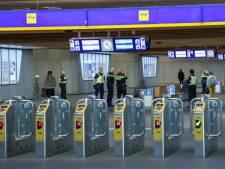 Politie rukt uit voor agressieve man op Arnhem Centraal