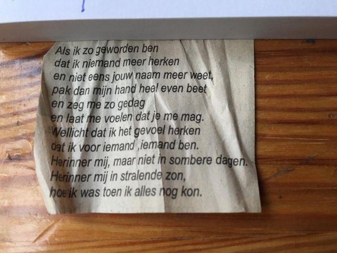Het gedicht dat Eleonoor vond in de portemonnee van haar dementerende vader (87).