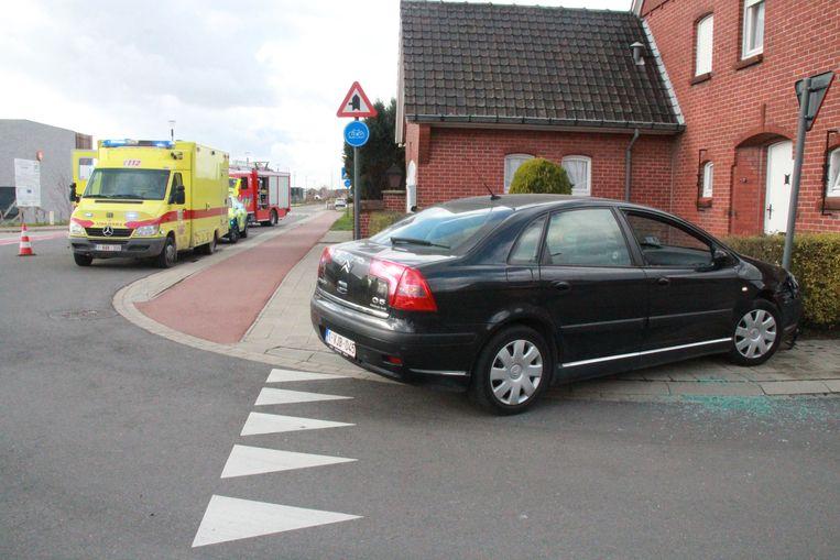 Bejaarde bestuurster kritiek nadat ze onwel wordt achter het stuur