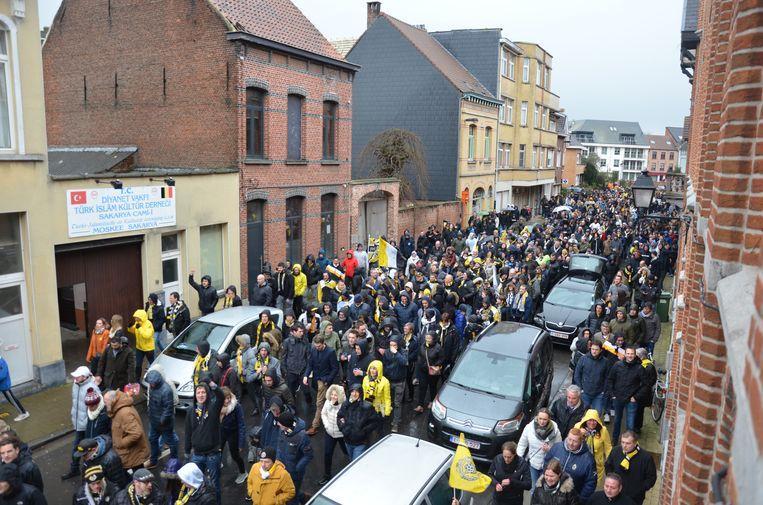 Vorig jaar trok een indrukwekkende stoet met duizenden fans onder de vlag van #wijzijnlokeren door de straten van de Durmestad.