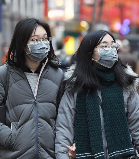 25 doden door coronavirus: China grendelt steden af, sluit attracties en bouwt nieuw ziekenhuis