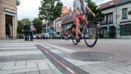 Primeur voor ons land: voortaan waarschuwen led-stroken automobilisten voor fietsers op kruispunt