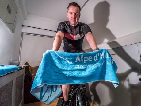 Gerald en Roger fietsen de Alpe d'Huez zes keer op, op de oprit