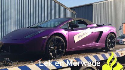 Werkloze die pronkt met paarse Lamborghini, speelt auto kwijt na politie-inval