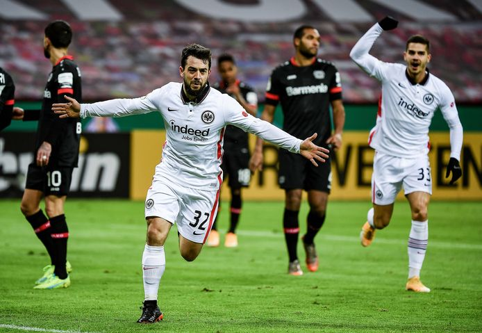 Amin Younes scoort.