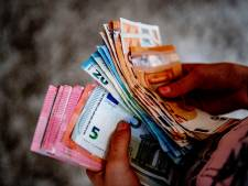 Drie minderjarige jongens bestelden 44 maaltijden met vals geld