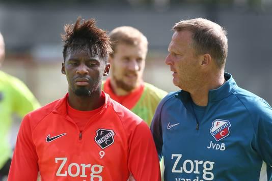 Jean-Christophe Bahebeck (l) en John van den Brom.