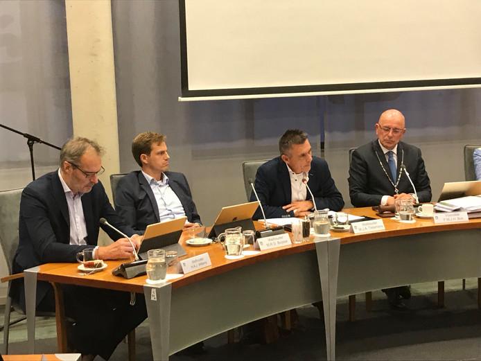 Het college (vlnr): wethouders Henri Willems, Martijn Buijsse, Marius Tielemans en burgemeester Pierre Bos.