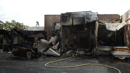 Dicht na zware brand bij de buren