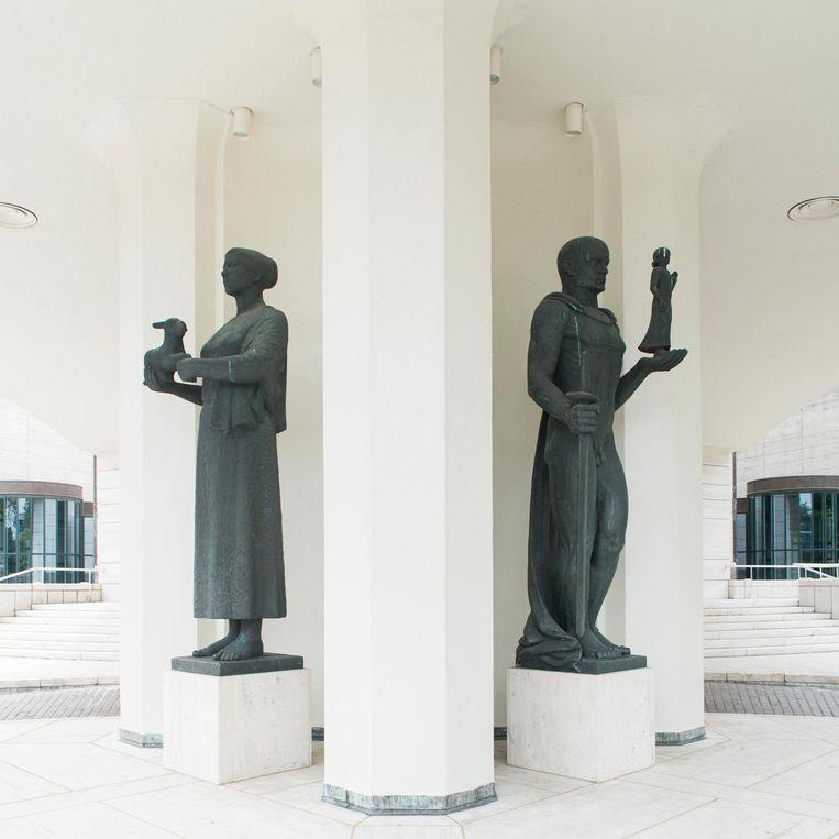 Standbeelden van Han Wezelaar en Hildo Krop Beeld Charlotte Odijk