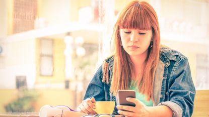 Hoe vaker je Facebook checkt, hoe eenzamer je je voelt