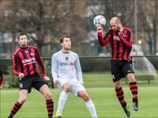 Hattrick Beumer in ruime overwinning Leones