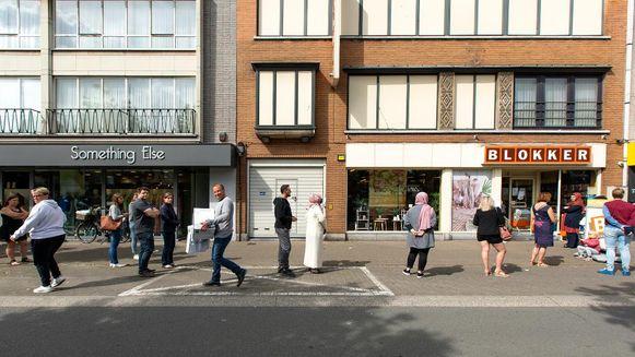 Zaterdag was het erg druk bij Blokker aan de Grote Markt in Zelzate.