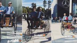 Iets zegt ons dat hij hier geen wereldkampioen mee wordt: Hamilton maakt ritje met iconische driewieler