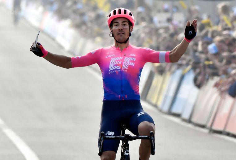 Alberto Bettiol wint de Ronde van Vlaanderen 2019.