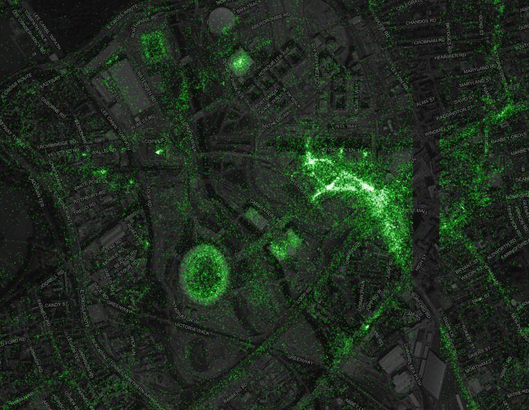 De twitterkaart van Londen, met mysterieuze zwarte streep.