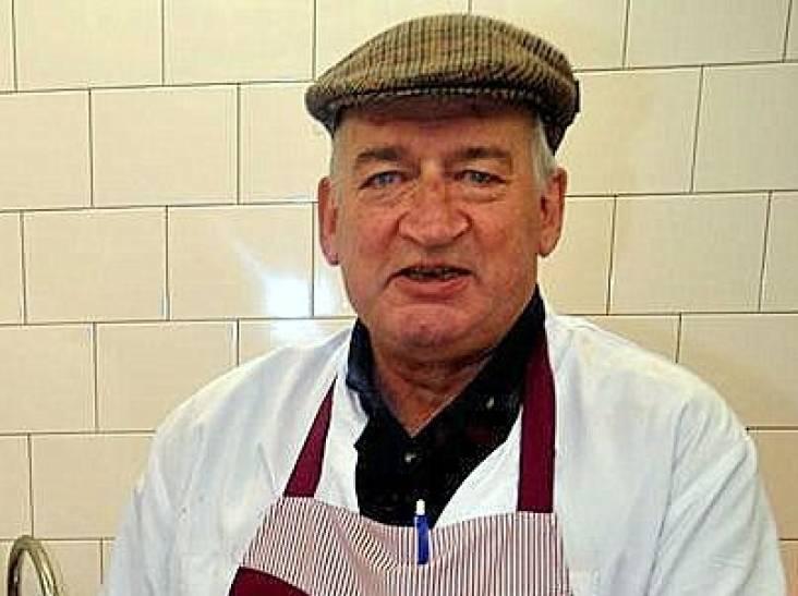 Slager Jos (74) braadde ballen die hem beroemd maakten, klanten kwamen ook voor zijn gezelligheid