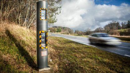 Garagist kopieert nummerplaat van buurman om hem op te zadelen met snelheidsboetes