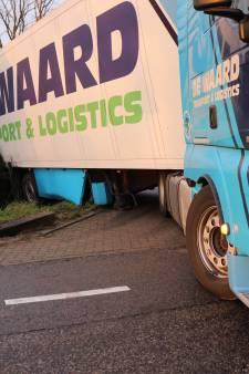 Chauffeur rijdt vrachtwagen bijna woonboerderij Andel binnen: 'Gebeurt regelmatig'