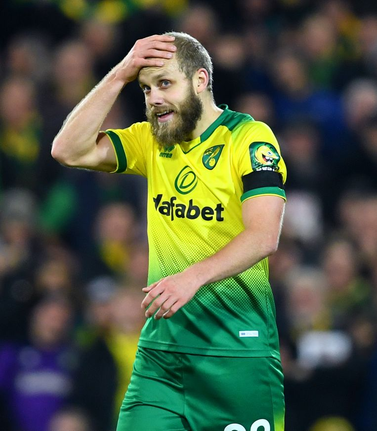 Reactie van aanvaller Teemu Pukki van Norwich City nadat de VAR zijn doelpunt tegen Tottenham Hotspurs heeft afgekeurd.  Beeld BSR Agency
