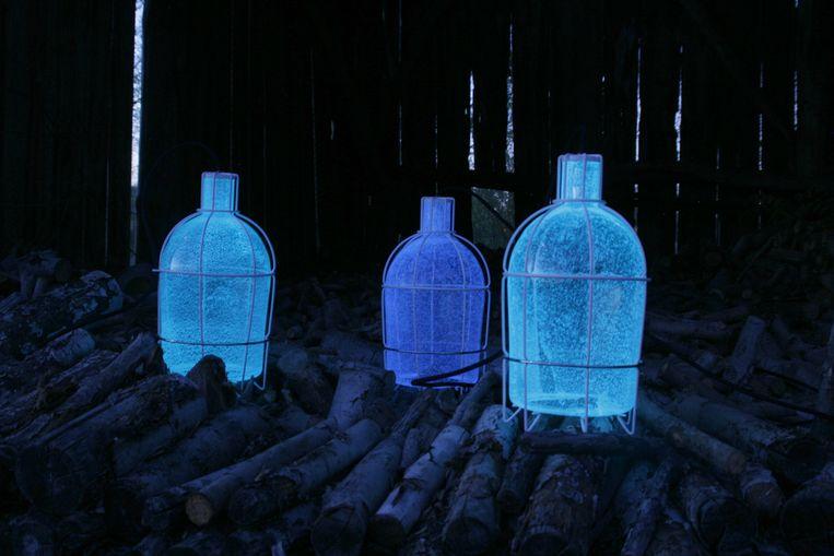 Lichtgevende pigmenten: 'Trap Light Outdoor' € 550. Beeld Chris Kabel