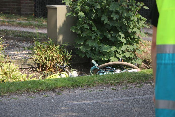 Een fietsster overleed nadat zij in botsing kwam met een auto in Lunteren.