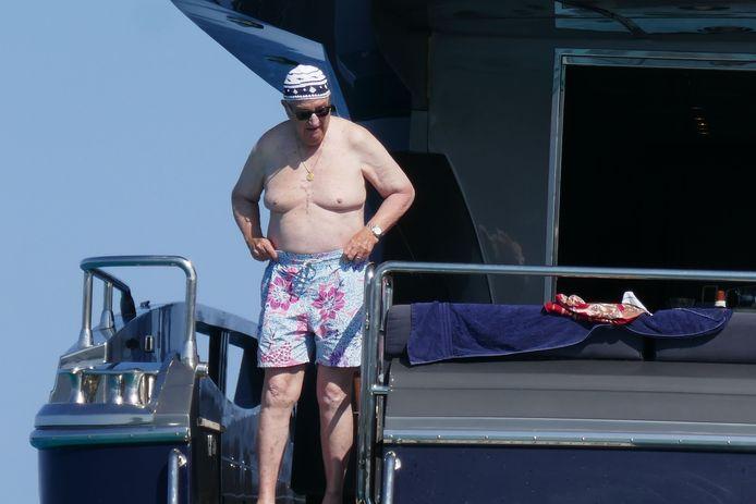 Albert en vacances sur son yacht, en Sardaigne.