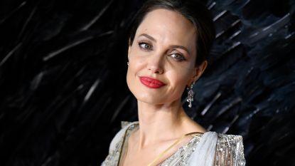 """Angelina Jolie openhartig over het verlies van haar moeder: """"Ik herken haar in mezelf"""""""