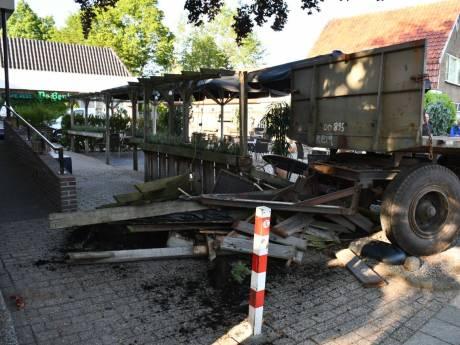 Kroegbaas uit Den Ham baalt van 'ongelukje' door losgeraakte aanhanger, maar geeft moed niet op