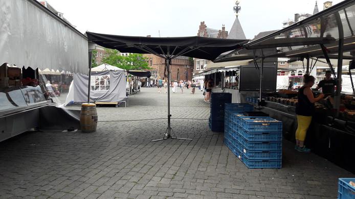 Marktkramen op de Markt in Den Bosch