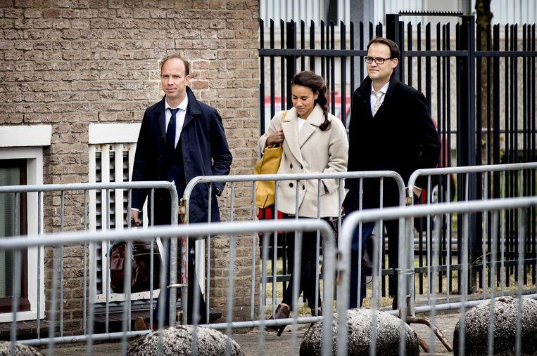 Advocaten van Holleeder komen aan bij de rechtbank Beeld anp