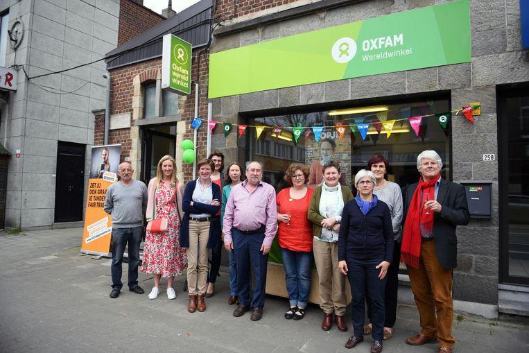 Het nieuwe onderkomen van de Oxfam Wereldwinkel langs de Leuvensesteenweg wordt feestelijk geopend.