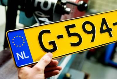 waarom-nederlandse-nummerborden-geel-zijn-(en-belgische-niet)