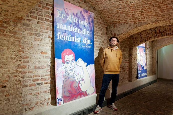 Roze panelen in de catacomben van het Geert Groote Huis, 'echte mannen dragen toch ook roze', lacht Jim Kievit, aka Jimki