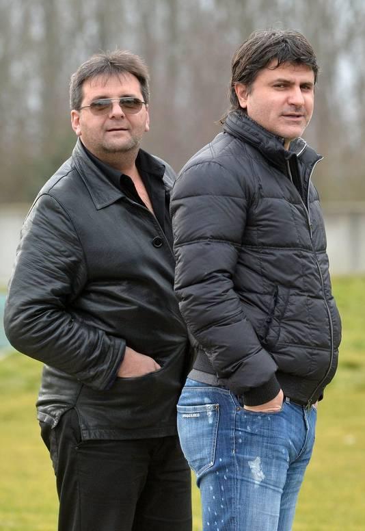 Nenad Jestrovic (à droite) et le papa d'Aleksandar Mitrovic.