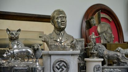 Verborgen kamer vol nazischatten ontdekt in Argentinië