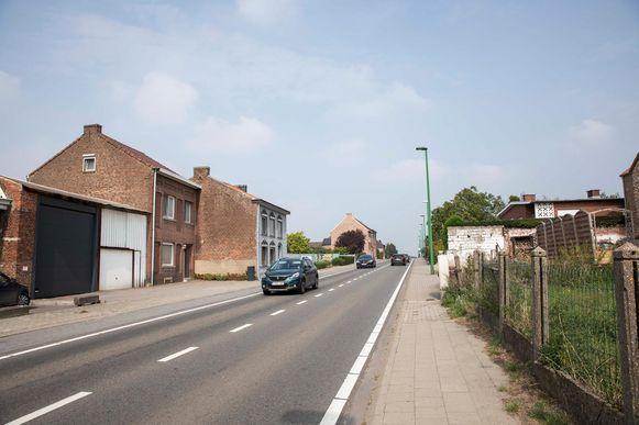 De N80, de steenweg die van Sint-Truiden naar Gingelom loopt, is veel inwoners een doorn in het oog.