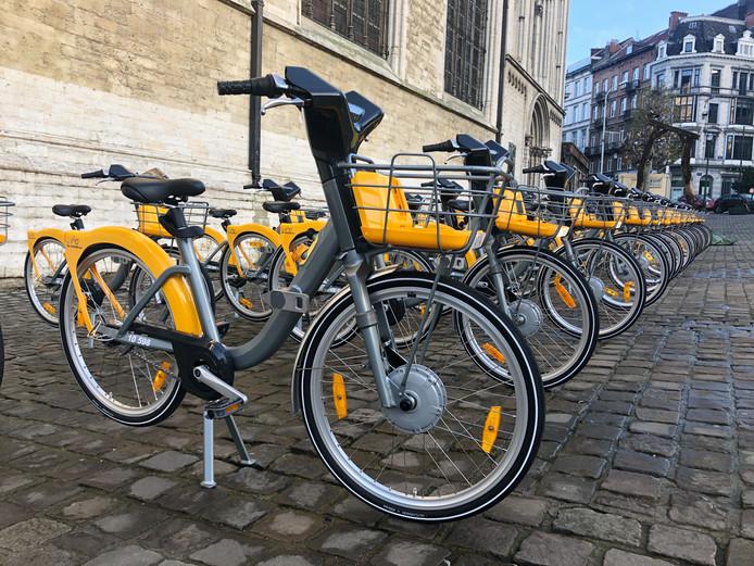 L'entreprise JCDecaux a lancé vendredi à Bruxelles ses eVillo! Au total, 1.800 deux-roues électriques seront déployés dans la capitale.
