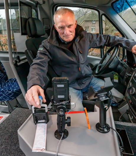Strippenkaart terug in buurtbussen Overijssel: de verzamelaar juicht