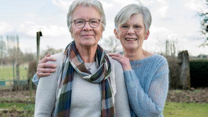 Zussen Hilde en Leen voelen zich allebei         aangetrokken tot Jos in 'Hotel Römantiek'